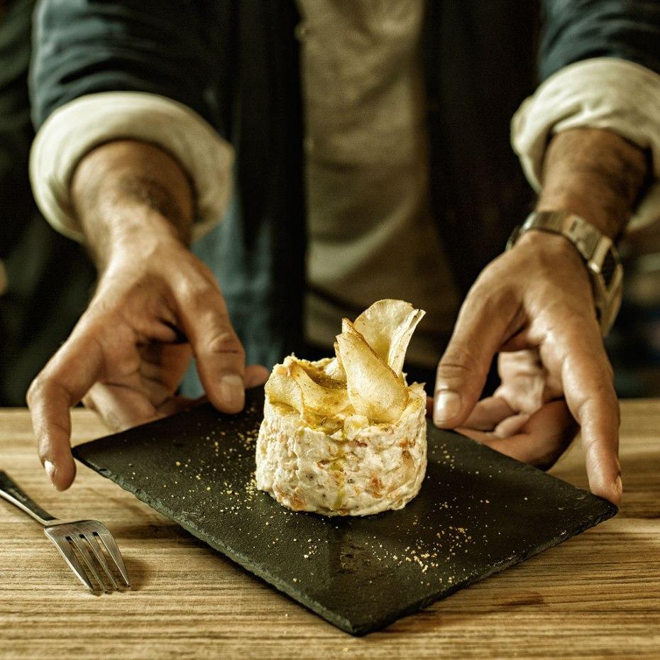 Ensaladilla con un toque de mostaza. Restaurante Petit Comite. Sevilla
